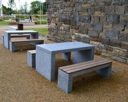 Picnic bench 2