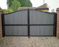 arched-gates-with-decking-inserts