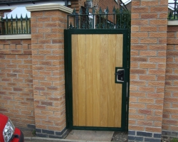 side-entrance-gate-with-keyed-lock