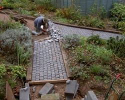 A garden path in 10 10 5 grey
