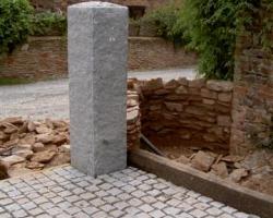 Granite gatepost natural finish with 10 10 5 setts